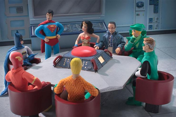 superhero-meeting-900x600